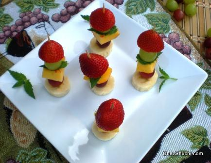 fruits on the skewers
