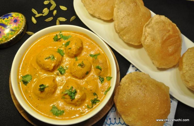 Dum Aloo with Poori