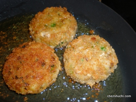 vegetables cutlets in the oil
