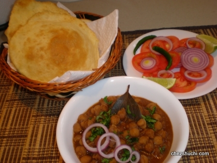 chole Bhature<