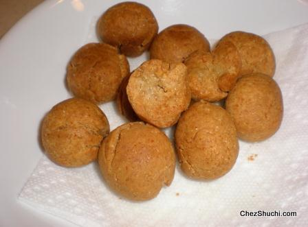 fried choorma balls