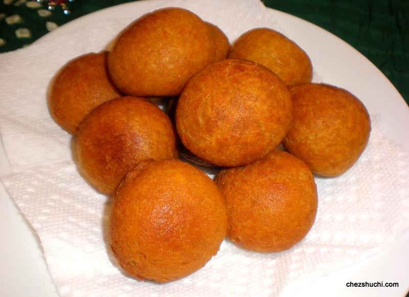Fried Gulab jamuns