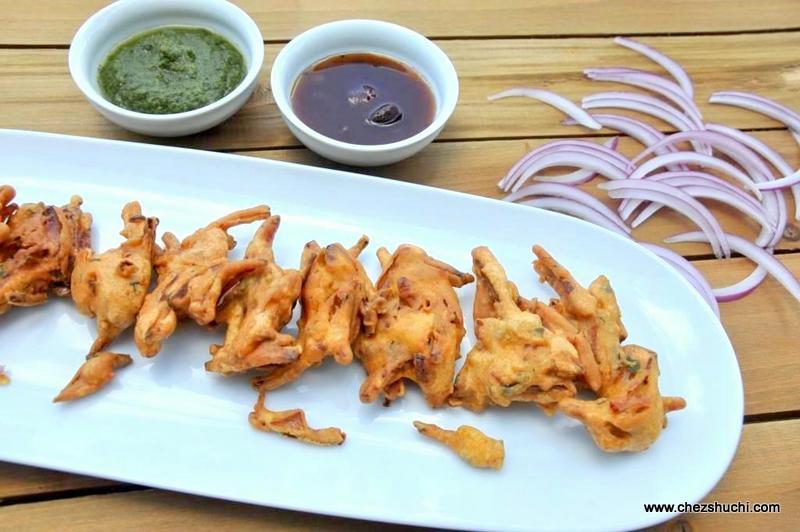 Vegetarian snacks and starters recipes in english pyaj ke pakore forumfinder Image collections