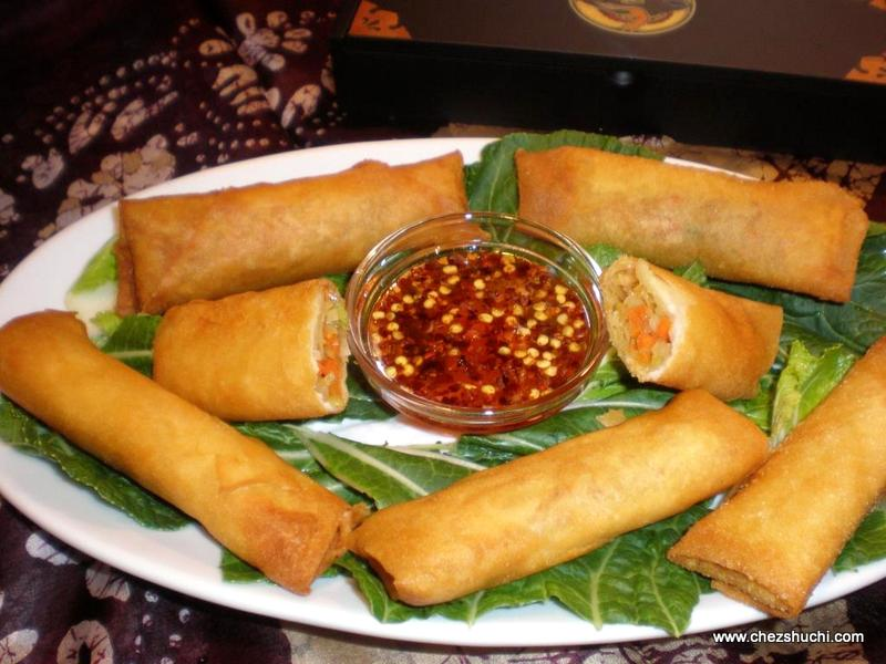 spring rolls with sweet chili dip