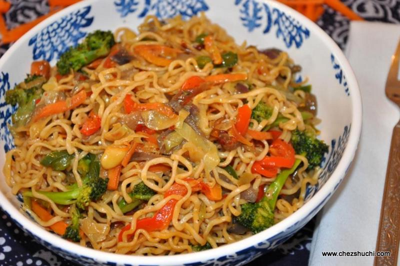 Vegetable Cashew Chow Mein